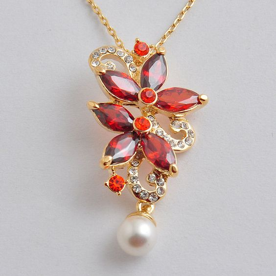 light-weight-zircon-pendant